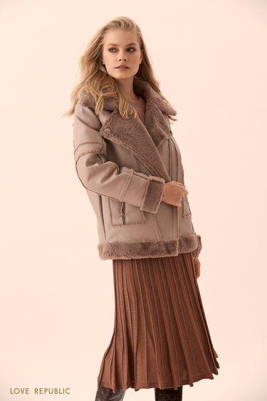Куртка-дублёнка дымчато-розового цвета с отделкой из искусственного меха 9450480108