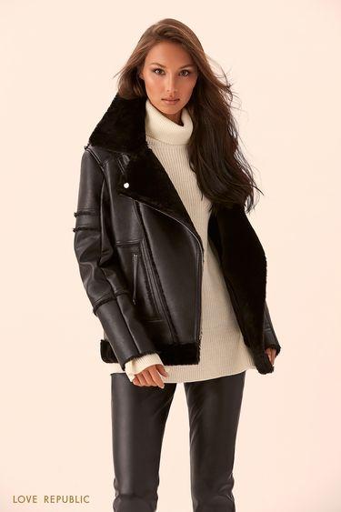 Куртка-дублёнка чёрного цвета с отделкой из искусственного меха 9450480108