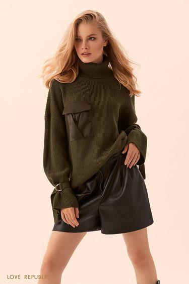 Объёмный свитер зелёного цвета с накладным карманом на клапане 9450893870