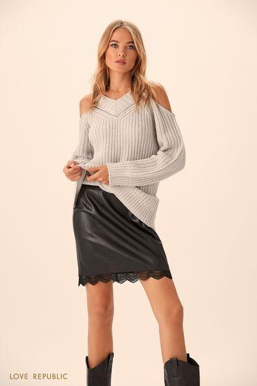 Удлинённый джемпер серого цвета с открытыми плечами 9451142829