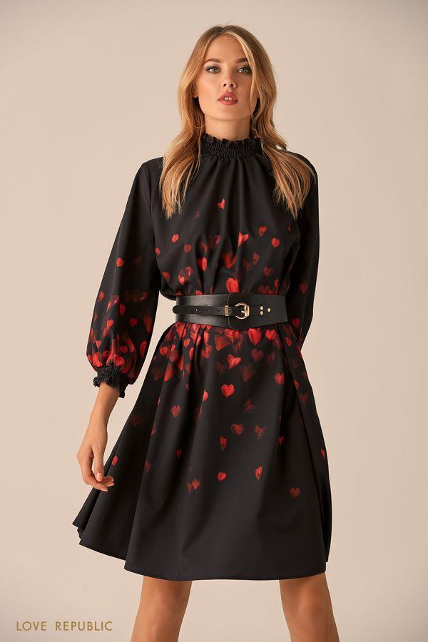 Приталенное платье с высоким воротником-стойкой 9451252510-50