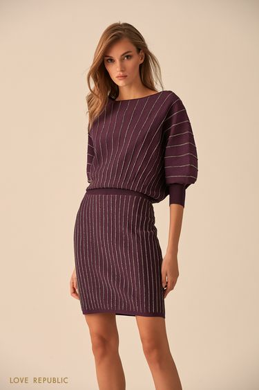 Короткое платье сливового цвета с серебристыми полосками 94513830502