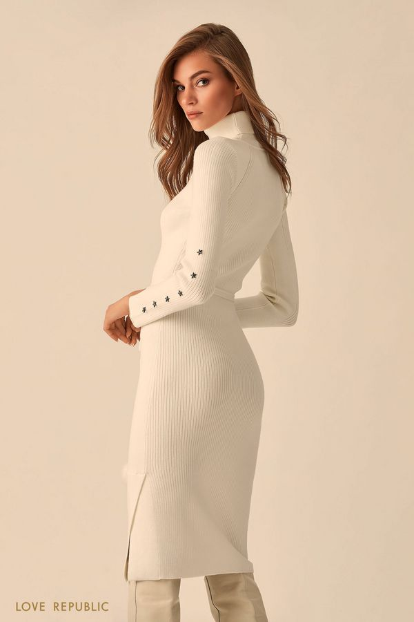 Длинное трикотажное платье с высоким воротником  9451381501-2