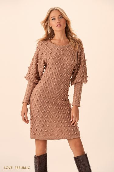 Платье цвета нуги с объёмными деталями  9451638571