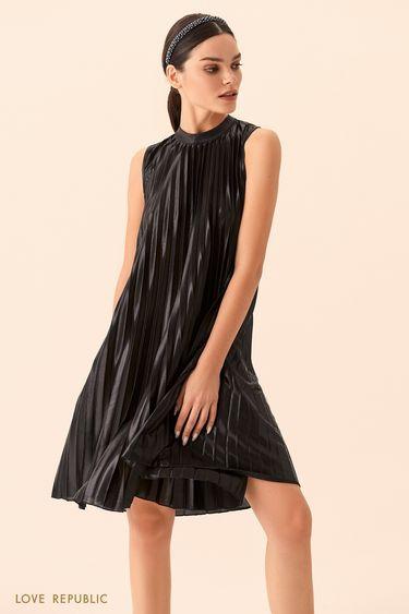 Короткое чёрное плиссированное платье А-силуэта 9452502585
