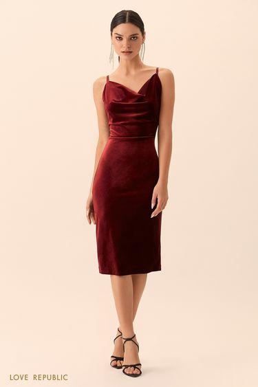 Приталенное платье цвета красное вино с драпировкой 9452757551